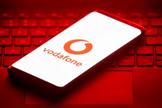 Vodafone tests open cellular radio tech that could lower phone rates