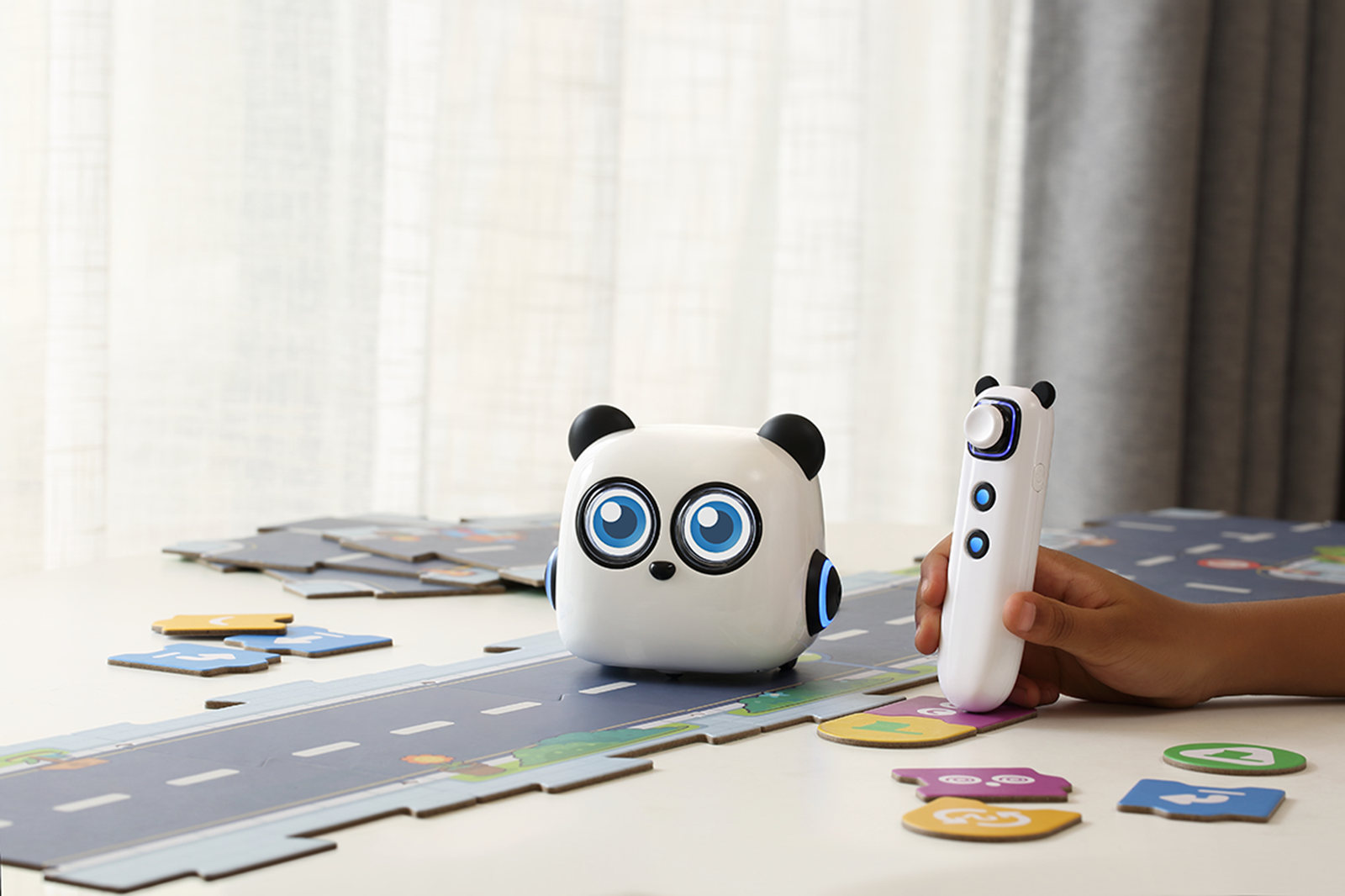 mTiny robot review: Screen-free coding for kids | DeviceDaily.com
