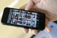 Apple warns iPhone 5 owners to update if they want to stay online