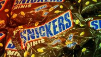You can still get that free Snickers Halloween bag, but you may have to be quick on the draw