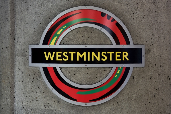 The London Underground's logo gets an inspired redesign | DeviceDaily.com