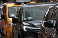 Judge strikes down NYC law limiting Uber and Lyft driver cruising time