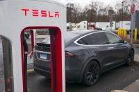 Tesla found a loophole that lets it lease cars in Connecticut