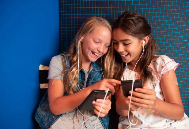 Gabb Wireless: A Smartphone for Kids to Keep Them Safe and Minimize Screen Time   DeviceDaily.com