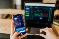 Investment Apps to Help You Find Financial Freedom