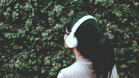 These 7 podcasts will help you achieve your 2020 goals