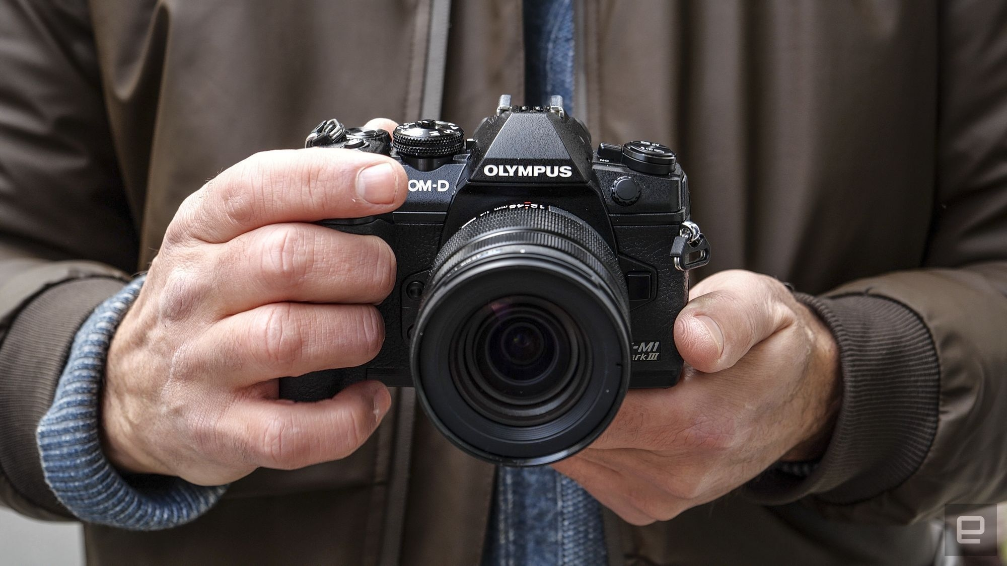 Olympus E-M1 III review: Fast, but way behind flagship camera rivals   DeviceDaily.com