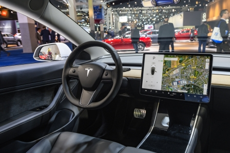 Elon Musk explains why Tesla's Model 3 has an in-cabin camera | DeviceDaily.com