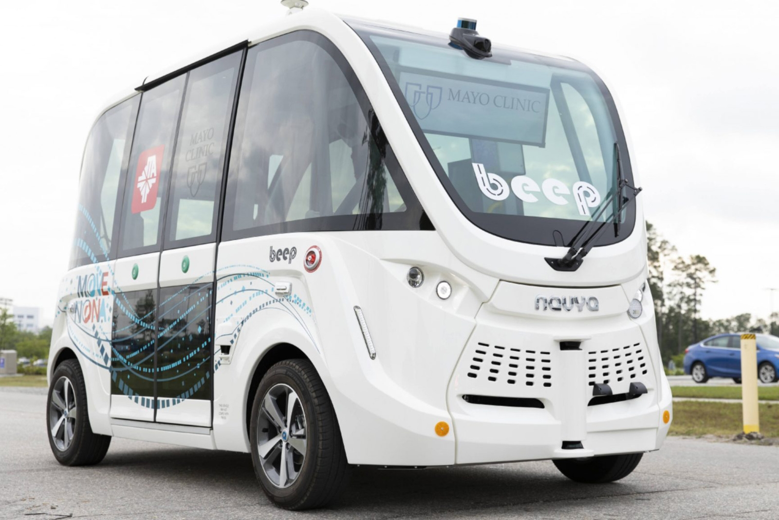 Self-driving shuttles are ferrying COVID-19 tests at a Florida clinic | DeviceDaily.com