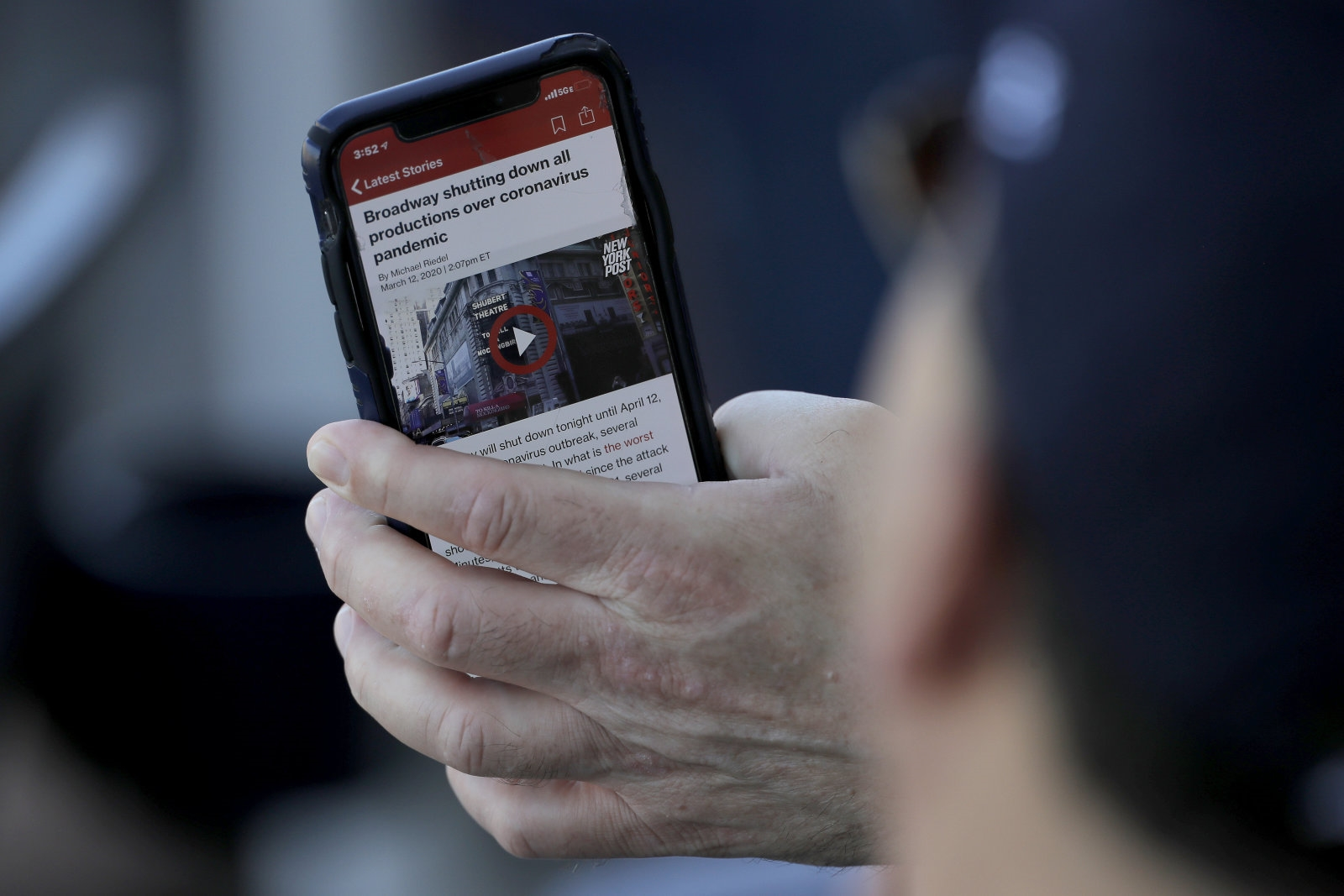US officials use mobile ad location data to study how COVID-19 spreads | DeviceDaily.com