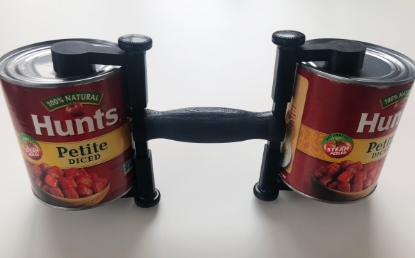 This quarantine cans-as-dumbbell device turns your food hoarding into gains   DeviceDaily.com