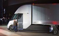 Tesla delays Semi electric truck to 2021