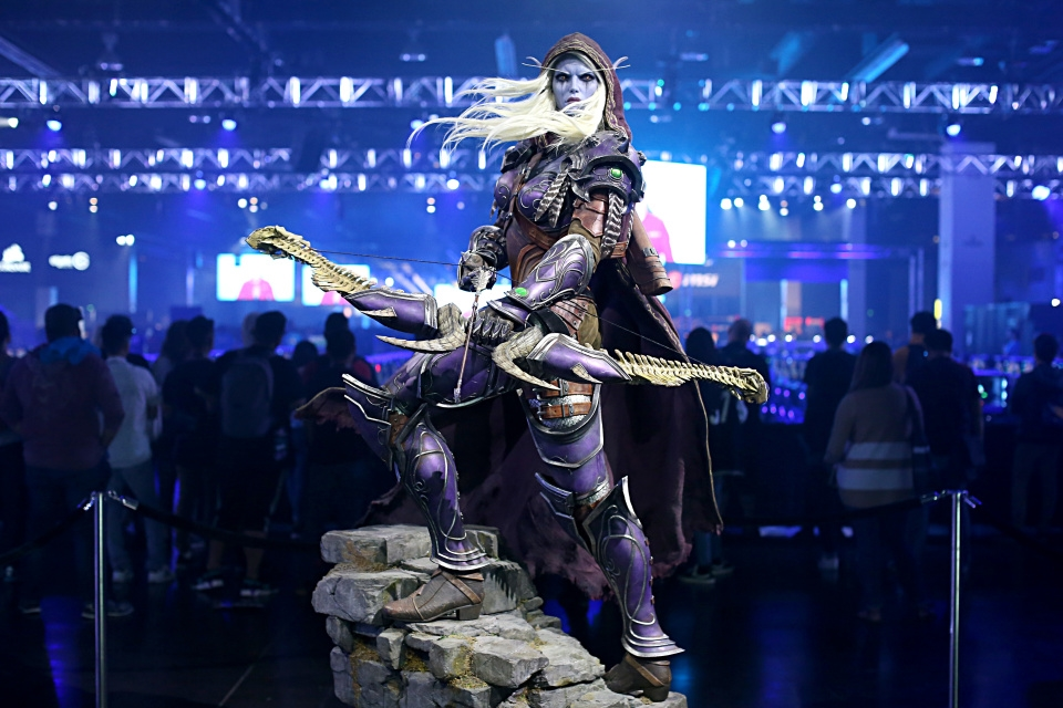 Playing around on the PS5 while Blizzcon goes bye-bye | DeviceDaily.com