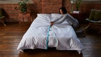 This new brand solves the most annoying thing about making your bed