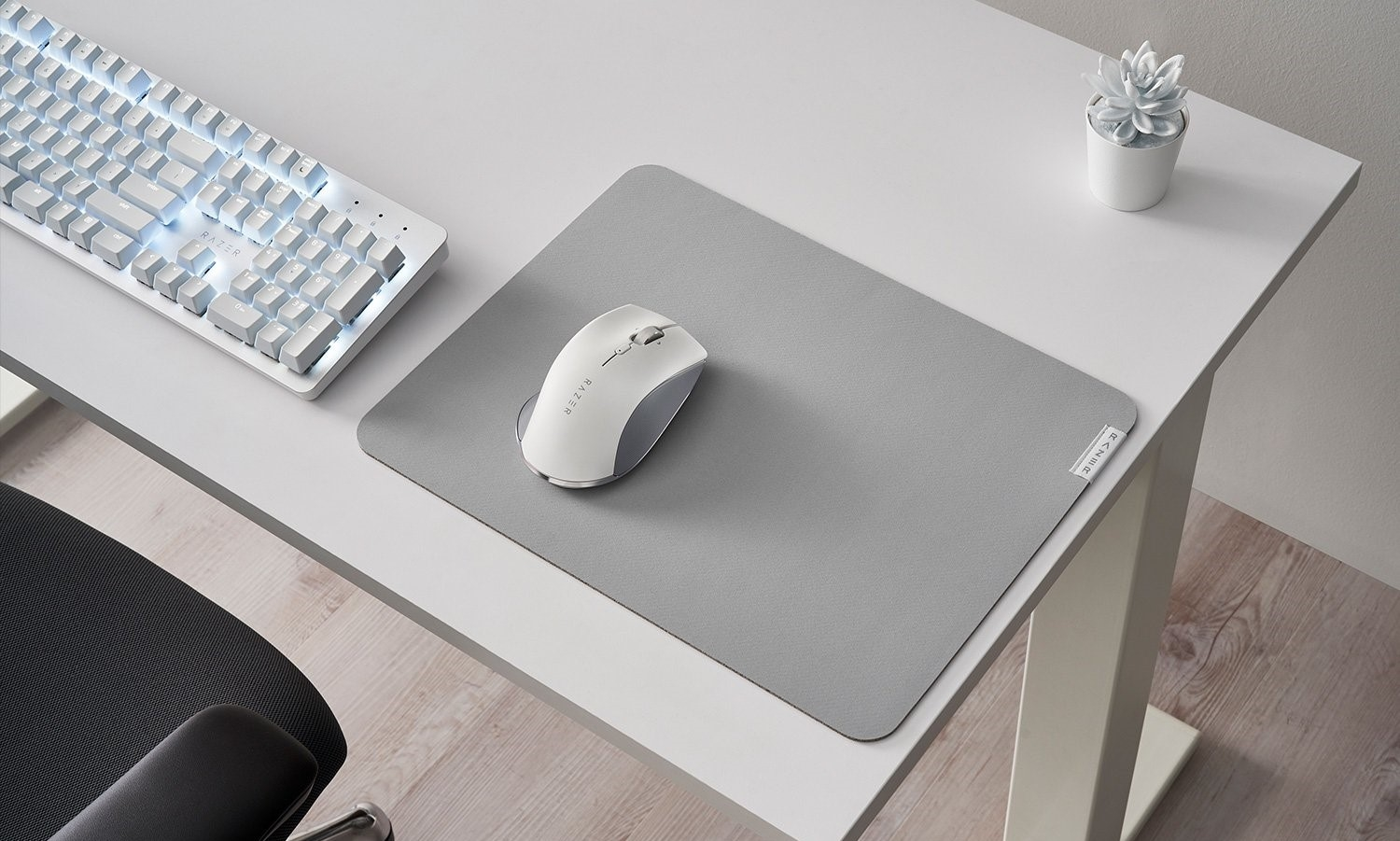 Razer made a dull keyboard and mouse for working from home | DeviceDaily.com