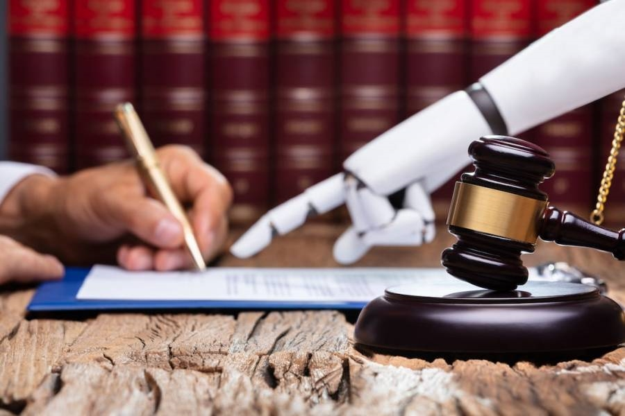 Legal Industry Slowly Catching up with the Opportunities of AI and ML | DeviceDaily.com