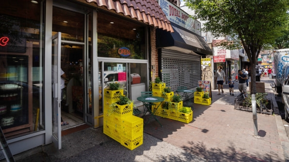 COVID-19 decimated NYC businesses. This free program is helping them recover | DeviceDaily.com
