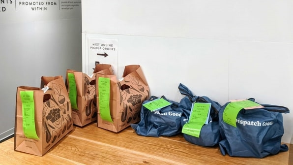 You're generating so much waste with your food deliveries. What if it came in reusable containers instead? | DeviceDaily.com