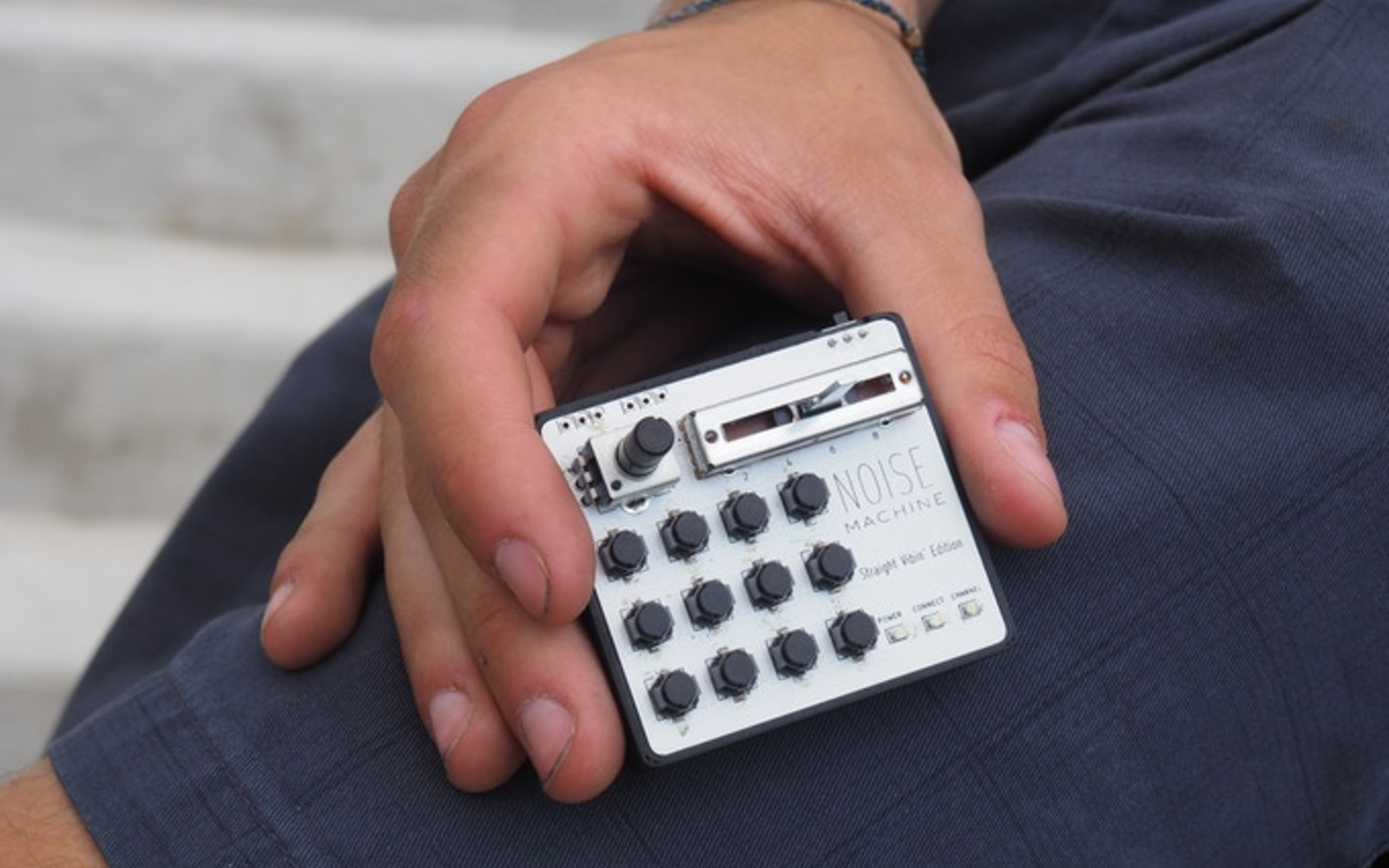 Noise Machine is a tiny MIDI controller for creating music on the go | DeviceDaily.com