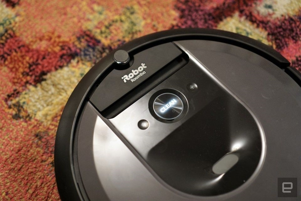 The Roomba i7+ robot vacuum returns to its all-time low price   DeviceDaily.com