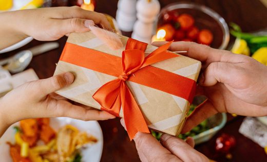 Ship Like Santa: Your Guide to 2020 Holiday Shipping and Delivery