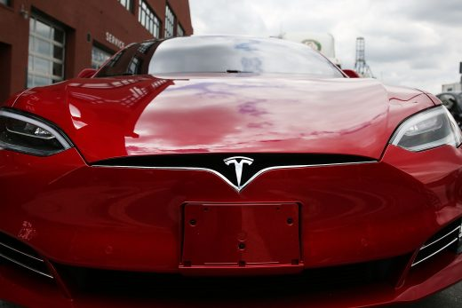 Elon Musk says Tesla's Full Self-Driving subscription arrives in early 2021