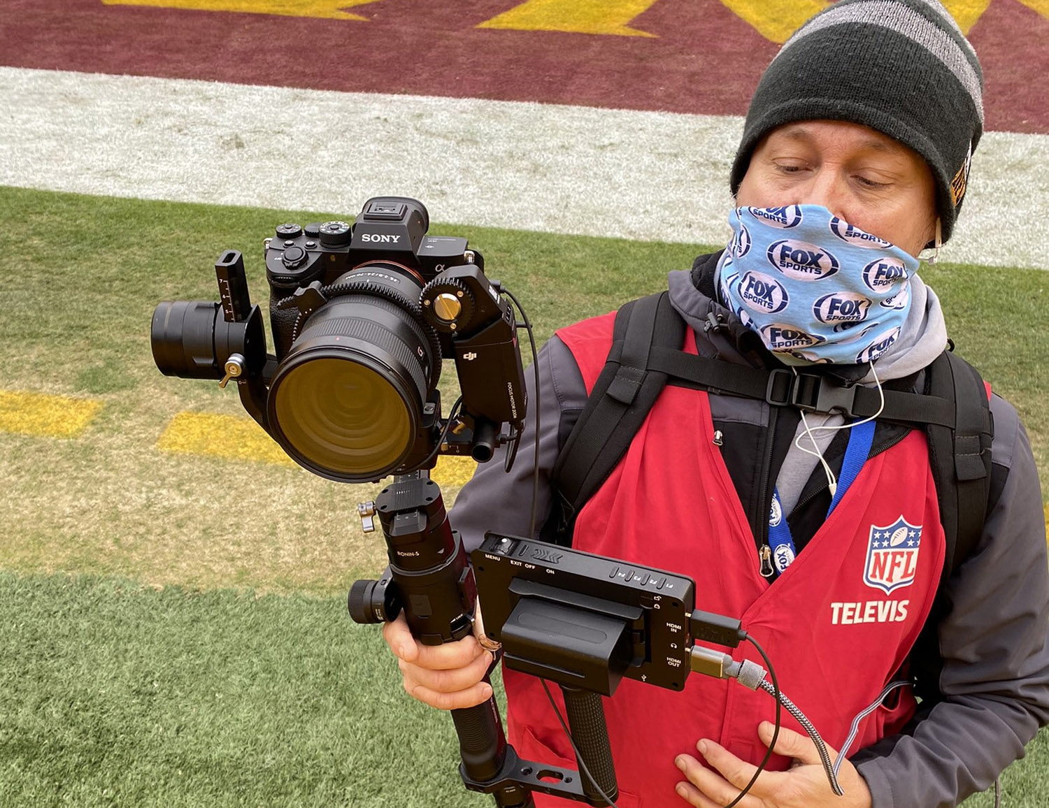 Fox Sports used a Sony A7R IV to give NFL broadcasts a cinematic look | DeviceDaily.com