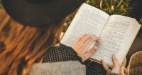 Read key takeaways from bestselling books in just 15 minutes