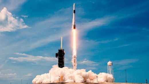 World's first all-civilian space mission will be helmed by a tech CEO trained by SpaceX