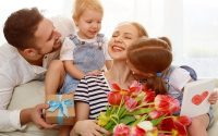 Mother's Day Push: Brands Up Their Email Sends, Web Traffic Rises
