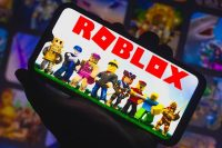 'Roblox' will use content ratings to help limit access to sexual material
