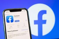 Pro-Palestinian activists tank Facebook app ratings to protest alleged censorship