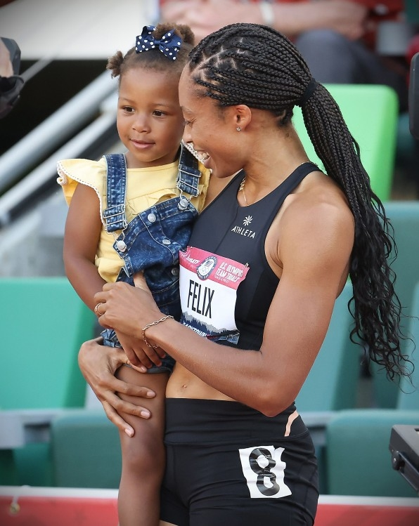 The most decorated Olympian in track and field history is giving fellow athletes $10K each for childcare | DeviceDaily.com