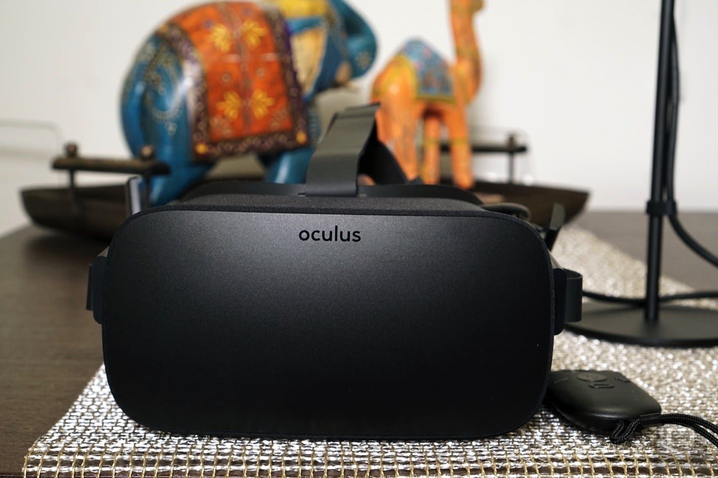 The Vive Focus 3 is the best standalone VR headset and no, you should not buy it | DeviceDaily.com
