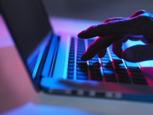 Man charged for allegedly selling insider trading tips on the dark web